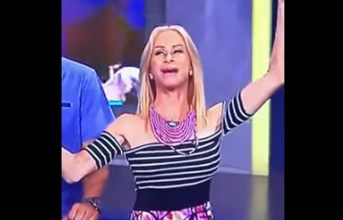 YouTube: ¿A presentadora se le cae un diente en vivo?
