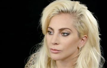 Grammy 2017: Lady Gaga vuelve a las excentricidades en su vestuario