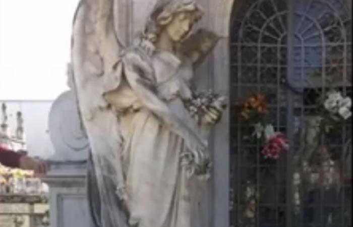Uruguay: Niño fantasma en cementerio aterra a la población