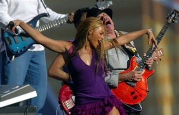 """Carlos Santana señala que """"Beyoncé no es una cantante, cantante"""""""