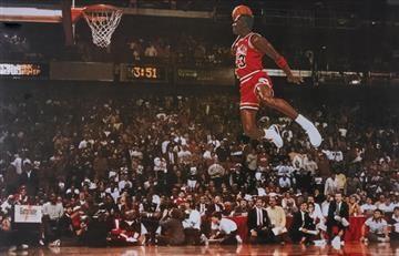 Michael Jordan cumple 54 años y el mundo lo celebra