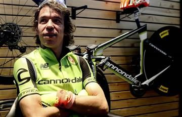 Rigoberto Urán se mantiene en el top 10 de la Vuelta a Andalucía