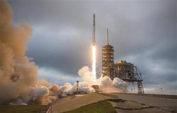 Space X llevará a dos turistas a la Luna en 2018