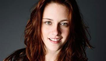 Kristen Stewart se convierte en una rubia de cabeza rapada