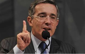 Uribe convoca a los colombianos a marchar contra la corrupción y Santos