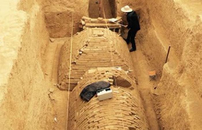 China: Descubren extraña tumba en forma de pirámide
