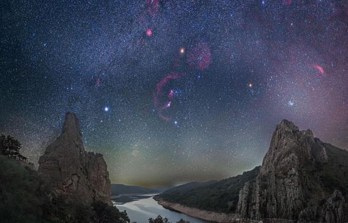 NASA revela secretos de un espectacular cielo nocturno