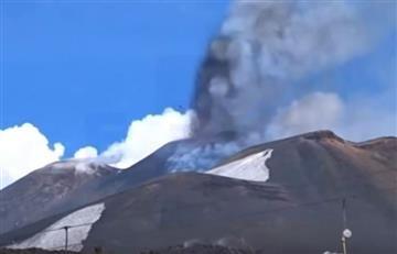 Italia: Volcán Etna explotó frente a un grupo de turistas