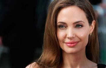 Angelina Jolie revoluciona la red por su look en reunión con arzobispo
