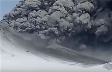 Rusia: Volcán entró en erupción tras más de 200 años de inactividad