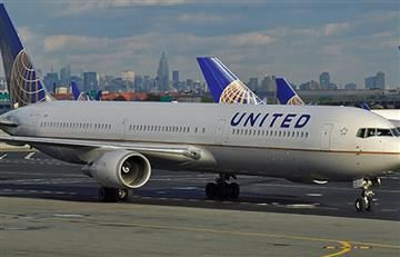 United Airlines prohibió a dos adolescentes subir a un avión por llevar 'leggins'