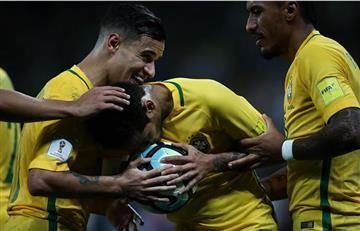 Brasil le da una lección de fútbol a Paraguay