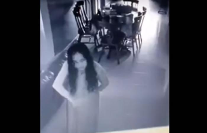 Paranormal: Mujer poseída por espíritus estremece la red