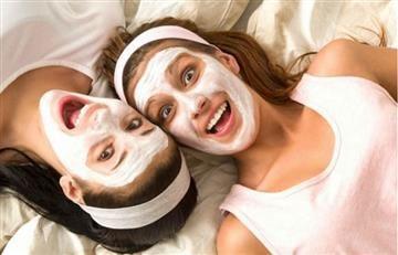 Facebook: Las mascarillas faciales podrían maltratar la piel