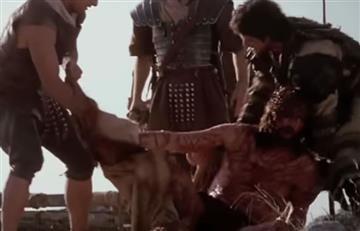 Viacrucis: Estación 10, Jesús, despojado de sus vestidos