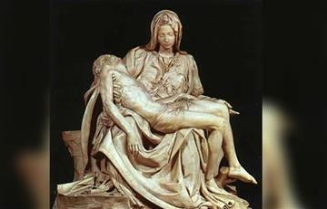 Viacrucis: Estación 13, Jesús en brazos de su Madre