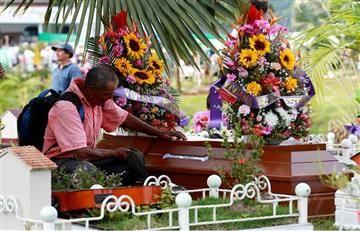Mocoa entierra a sus muertos, pero su tragedia continúa