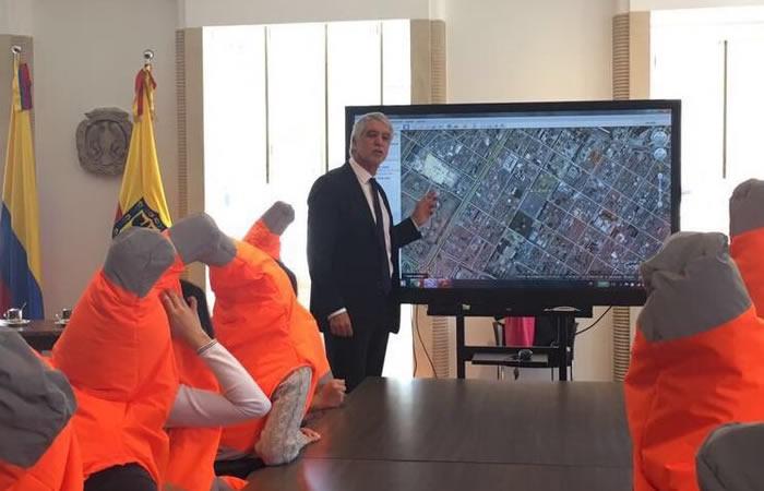 Esta es la fundación que defiende al alcalde Enrique Peñalosa