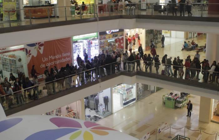 Un hombre asesinó a su expareja en el centro comercial Santafé
