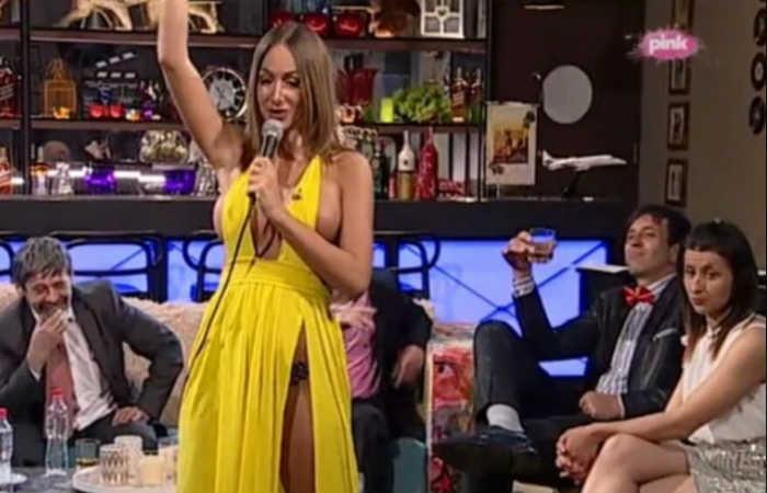 Presentadora de televisión es despedida por confesar que es prostituta