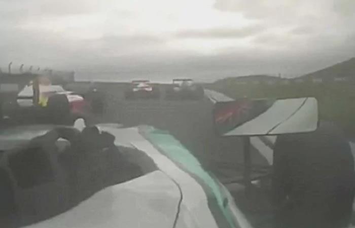 Video: El brutal accidente que paralizó la fórmula 4