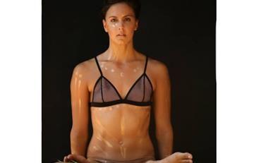 Nadadora colombiana posa desnuda para importante publicación