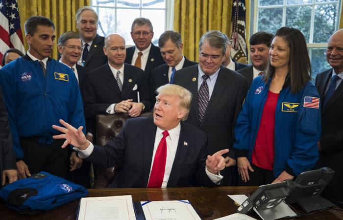 Trump y la NASA. Foto: EFE