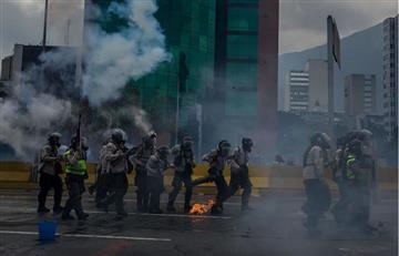 En Venezuela evacuan una escuela al ser alcanzada por gases