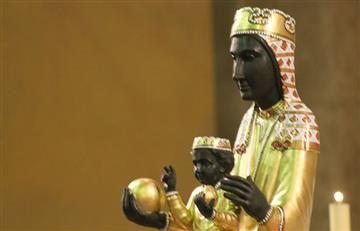 YouTube: Lesbianas profanan la imagen de la Virgen de Montserrat