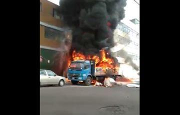 Bogotá: Bomberos controlan incendio en bodega de icopor
