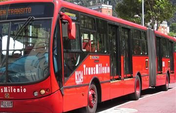 Transmilenio: Aprueban proyecto que ordena el uso preferencial de 'sillas rojas para mujeres'
