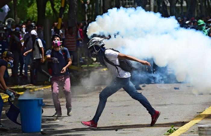 Venezuela: Asesinan a líder estudiantil en protestas