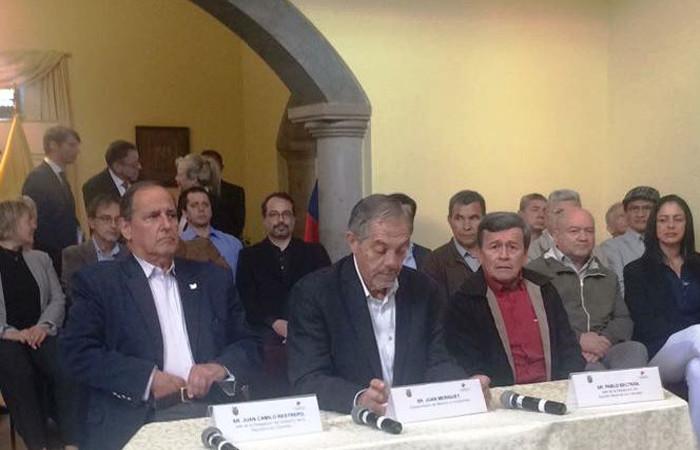 Delegado del Gobierno y ELN. Foto: Twitter