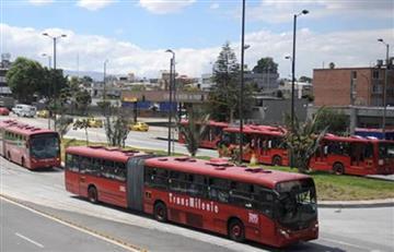 Bogotá: Hombres apuñalan a policía en Transmilenio y quedan en libertad