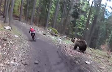 Viral: Ciclista vive momentos de terror al ser perseguido por un oso