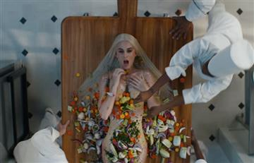 Katy Perry, el plato principal en su nuevo video 'Bon Appétit'