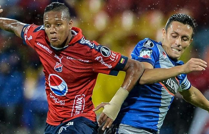 Medellín cayó en casa con Emelec y complicó su clasificación