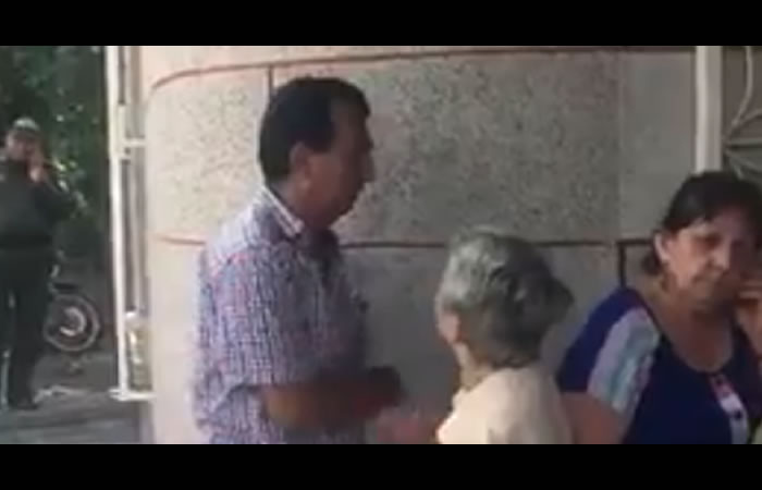 Personero de Puerto Berrío habría golpeado a su mamá
