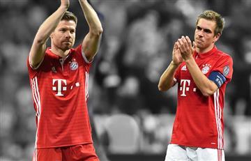 Xabi Alonso y Philipp Lahm se despiden del fútbol entre aplausos y lágrimas
