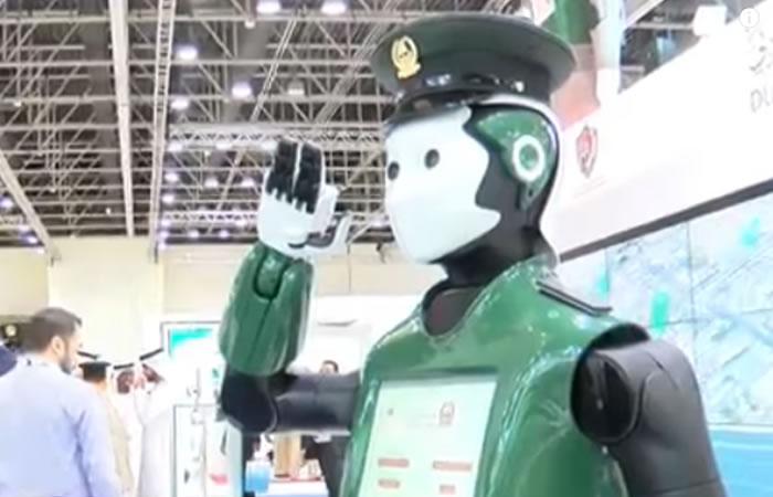 Robot policía. Foto: Youtube