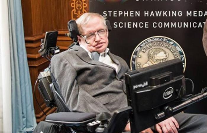 """Stephen Hawking: """"Debemos encontrar otros planetas para habitar"""""""