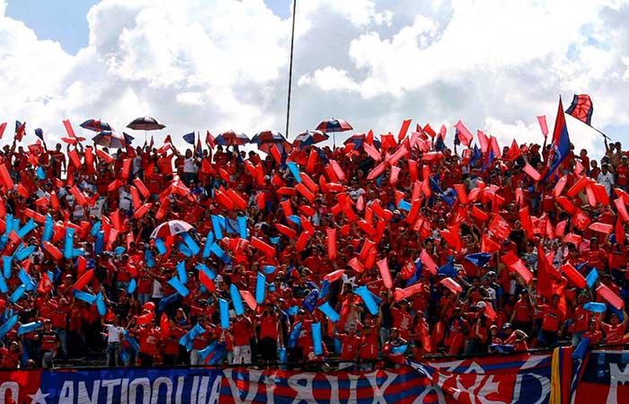 Independiente Medellín: Su hinchada se luce en Argentina