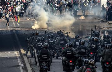 Oposición venezolana pide a militares que cesen represión