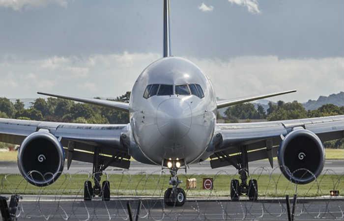 Estados Unidos prohibiría computadoras portátiles en aviones