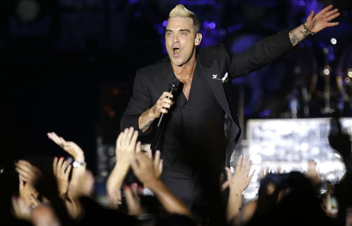 Robbie Williams y su 'metida de pata' en pleno concierto