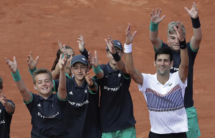 Roland Garros: Djokovic avanza al vencer a Sousa