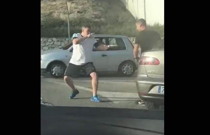 Video: Pelea al estilo 'Jackie Chan' entre dos conductores