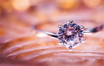 Compañía convierte las cenizas de un ser querido en diamantes
