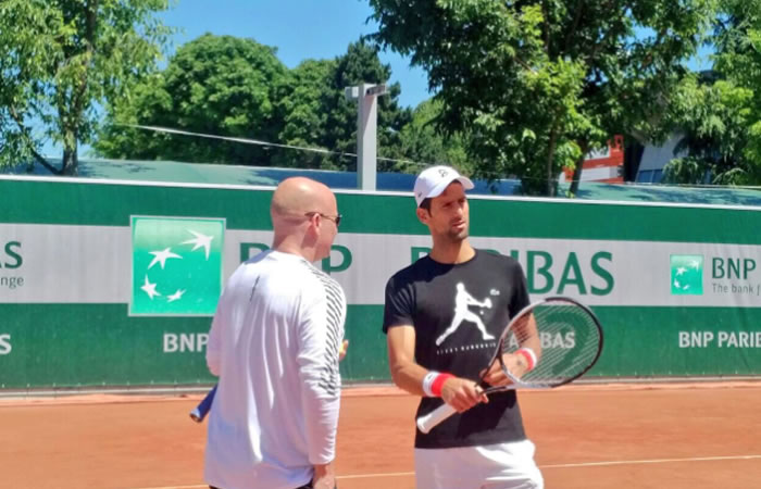 Amor por el tenis: Agassi entrena a Djokovic sin cobrar