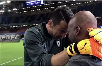 Buffón reconoció al 'Tino' Asprilla y le dio un emotivo abrazo